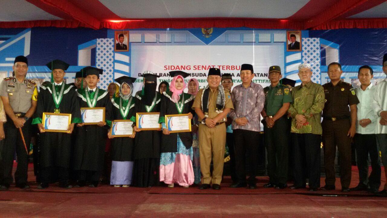 STITQI Sukses Mewisuda 94 Sarjana Pendidikan