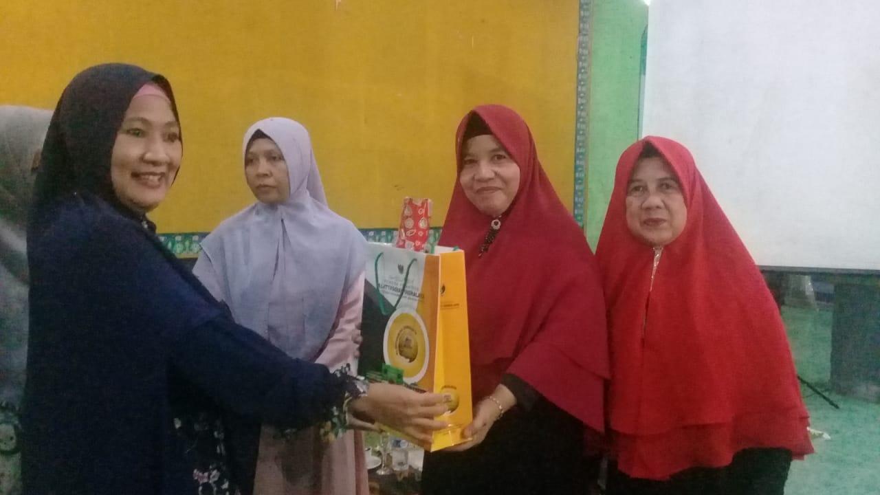 Ibu PKK Al-Mukhlisin Kunjungi Ittifaqiah