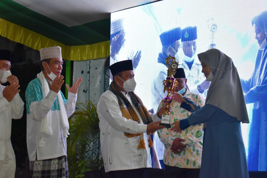 Kakanwil Kemenag Sumsel Tutup Gebyar Ramadhan in Campus Ittifaqiah