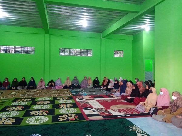 Khataman Al-Quran dan Doa Bersama Mengisi Peresmian Gedung Asrama Putri Kampus D Yang Baru.