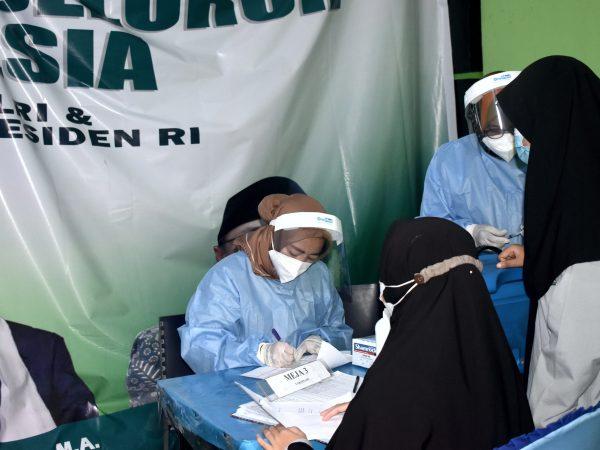 500 Vaksin Ludes Hanya Di Kampus Putri